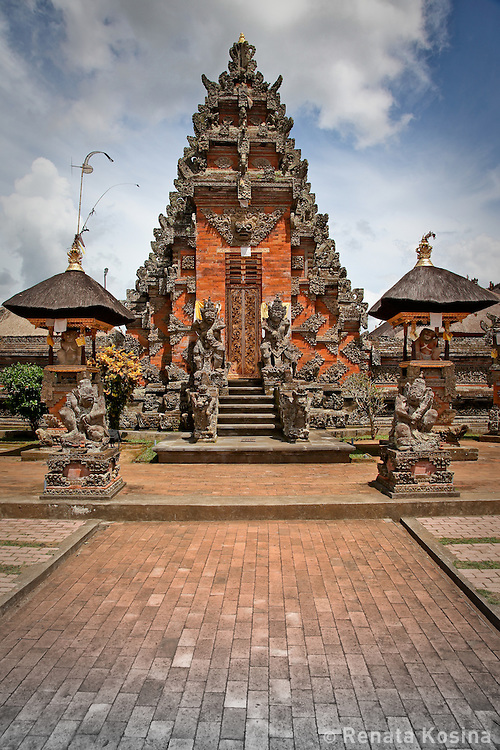 Batuan village temple dates from around 1000 A.D. and is considered one of the oldest and most important temples in Bali.