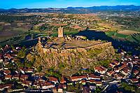 France, Haute-Loire (43), Polignac, Château de Polignac, forteresse du XIe siècle sur un plateau basaltique (vue aérienne)  // France, Haute-Loire (43), Polignac, Chateau de Polignac, eleventh century fortress on a basalt plateau (aerial view)