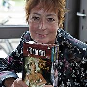 NLD/Amsterdam/20080904 - Presentatie DVDbox tvserie Mata Hari, Josine van Dalsum