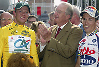 Sykkel<br /> Tour de France 2004<br /> 2. etappe<br /> 05.07.2004<br /> Foto: PhotoNews/Digitalsport<br /> NORWAY ONLY<br /> <br /> CHARLEROI - NAMUR<br /> <br /> Thor Hushovd - Kong Albert 2 av Belgia - Robbie McEwen