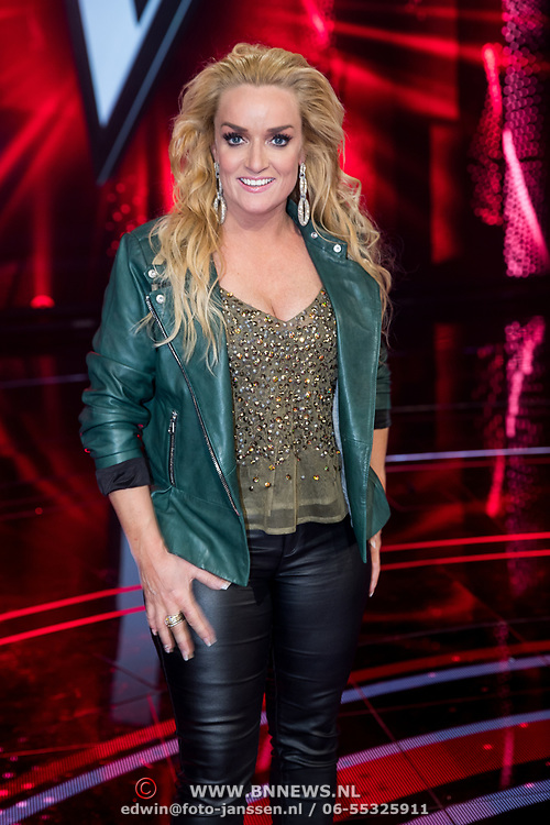 NLD/Hilversum/20180209 - 3e Liveshows The voice of Holland 2018, Samantha Steenwijk