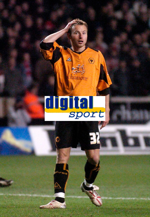 Photo: Glyn Thomas.<br />Wolverhampton Wanderers v Manchester United. The FA Cup. 29/01/2006.<br /> Wolves' Tomasz Frankowski finishes on the losing side on his debut.