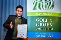 ZEIST - Nick Verbeet, Greenkeeper Rijk van Nijmegen, wint de Toro Student Greenkeeper of the Year Award, Nationaal Golf & Groen Symposium. Copyright Koen Suyk