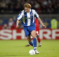 Fotball<br /> Kvartfinale Champions League<br /> Lyon v Porto<br /> 7. april 2004<br /> Foto: Digitalsport<br /> Norway Only<br /> <br />  EDGARAS JANKAUSKAS (POR) *** Local Caption *** 40001110