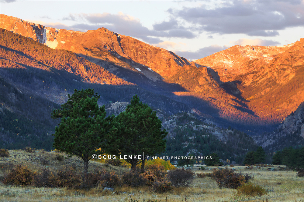 The high peaks surrounding the Moraine Park valley at Rocky Mountain National Park, Colorado, USA