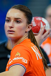 13-12-2019 JAP: Semi Final Netherlands - Russia, Kumamoto<br /> The Netherlands beat Russia in the semifinals 33-22 and qualify for the final on Sunday in Park Dome at 24th IHF Women's Handball World Championship / Larissa Nüsser #9 of Netherlands