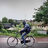 Nederland, amsterdam , 9 juni 2010.De plek op de Landsmeerderdijk waar afgelopen zaterdag een jongen van zijn fiets werd getrokken en in elkaar geslagen..Foto:Jean-Pierre Jans