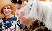 VIANEN - Koningin Maxima tijdens haar bezoek met koning Willem-Alexander aan Vianen. Het koninklijk paar bezoekt, in het teken van de 'royal tour', de aankomende tijd de 12 provincies. ANP HANDOUT ROYAL IMAGES KOEN VAN WEEL **NO ARCHIVES NO SALES**