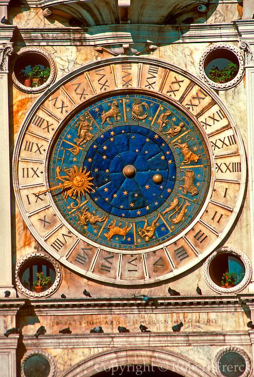 ITALY, VENICE, LANDMARKS Piazza San Marco, Law Court clock