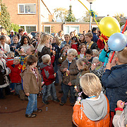 NLD/Huizen/20061103 - Opening verbouwde vandenBrugghenschool Schaepmanlaan Huizen