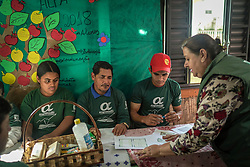 Maria Dinorá de Moura, uma das mais antigas coordenadoras regionais do<br /> Programa Alfa, que visa alfabetizar adultos no meio rural. FOTO: Jefferson Bernardes/ Agência Preview