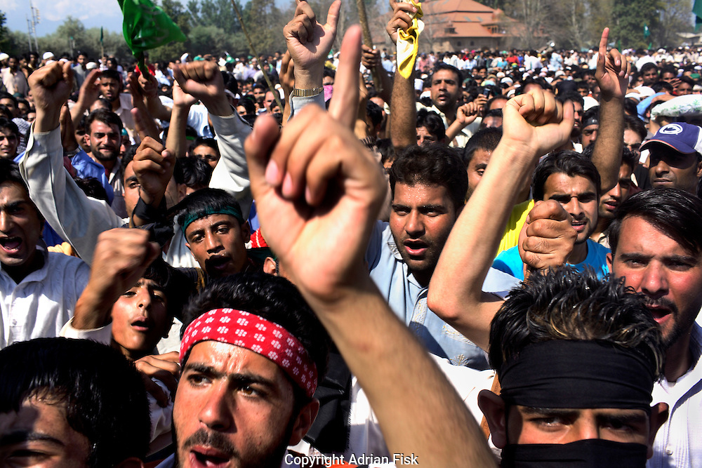 On the 22nd August 2008 an estimated 350,000 Kashmiri's marched to the Eidgha communal ground in Srinagar demanding Independence from India. Local Kashmiri's said they had never witnessed anything like it in their lifetime. .Shouting anti India slogans at the Eidgha communal ground....
