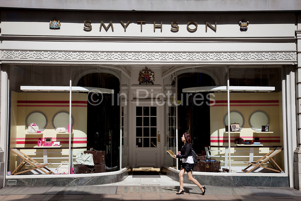 """Smythson. Exclusive shops on New Bond Street, Mayfair, central London. It is one of the principal streets in the West End shopping district and is more upmarket. It has been a fashionable shopping street since the 18th century. Technically """"Bond Street"""" does not exist: The southern section is known as Old Bond Street, and the northern section, which is rather more than half the total length, is known as New Bond Street. The rich and wealthy shop here mostly for high end fashion and jewellery."""