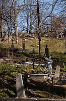 04.04.2014 Krynki woj podlaskie N/z katolicki cmentarz parafialny fot Michal Kosc / AGENCJA WSCHOD