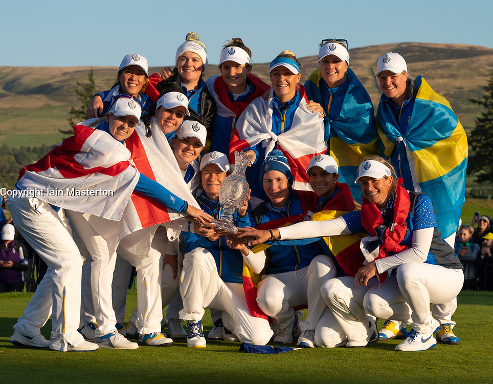 Auchterarder, Scotland, UK. 15 September 2019. Sunday final day at 2019 Solheim Cup on Centenary Course at Gleneagles. Pictured; Victorious Europe Team with the Solheim Cup. Iain Masterton/Alamy Live News