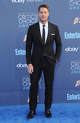 Justin Hartley  bei der Verleihung der 22. Critics' Choice Awards in Los Angeles / 111216