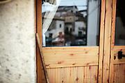 Una donna anziana in casa, Orsara di Puglia 3 Maggio 2014.  Christian Mantuano / OneShot