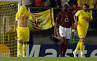 Villarreal vs Arsenal Champios league semifinals match at Villarreal the Arsenal pass to the final.-  Riquelme louse the oportunity to go to Paris when he don't score after a penalty an he become desperate.