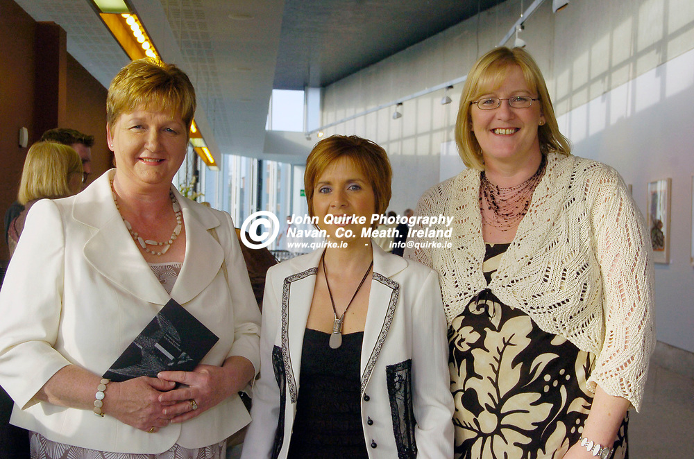 27-04-06 - Opening night of Solstice Art Centre, Railway Street, Navan.<br /> Photographed at the above from L to R: Miriam Donnelly, Alison Boyle and Suzanne Dillon (Both St Mary's Musical Society).<br /> Photo:Barry Cronin/www.quirke.ie
