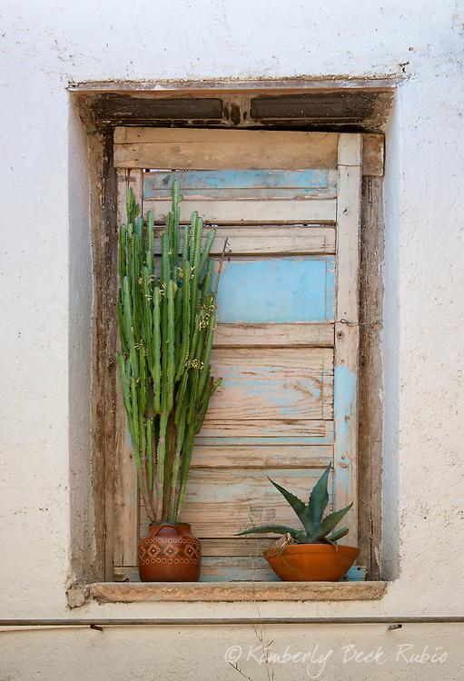 Window detail in the UNESCO World Heritage city of Guanajuato, Mexico.