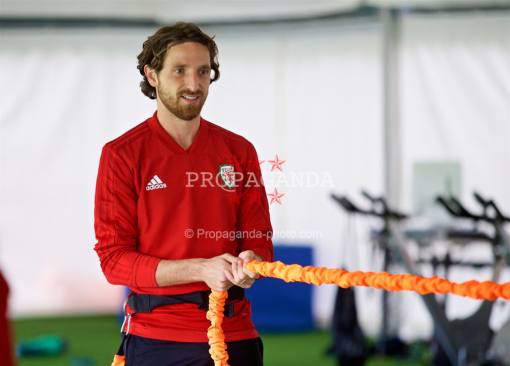CARDIFF, WALES - Monday, September 3, 2018: Wales' Joe Allen in the pre-activation tent before a training session at the Vale Resort ahead of the UEFA Nations League Group Stage League B Group 4 match between Wales and Republic of Ireland. (Pic by David Rawcliffe/Propaganda)
