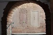 alte Reliefs in Sandstein, Altstadt, Buchen, Odenwald, Naturpark Bergstraße-Odenwald, Baden-Württemberg, Deutschland | old town, Buchen, Odenwald, Baden-Wuerttemberg Germany