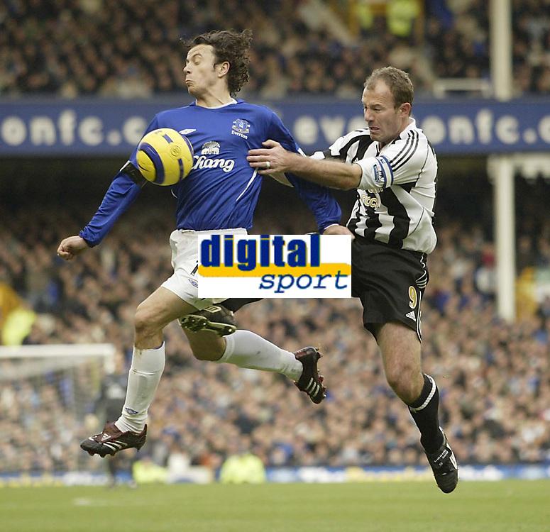 Photo: Aidan Ellis.<br /> Everton v Newcastle. The Barclays Premiership.<br /> 27/11/2005.<br /> Newcastle's Alan Shearer challenges Everton's Simon Davis