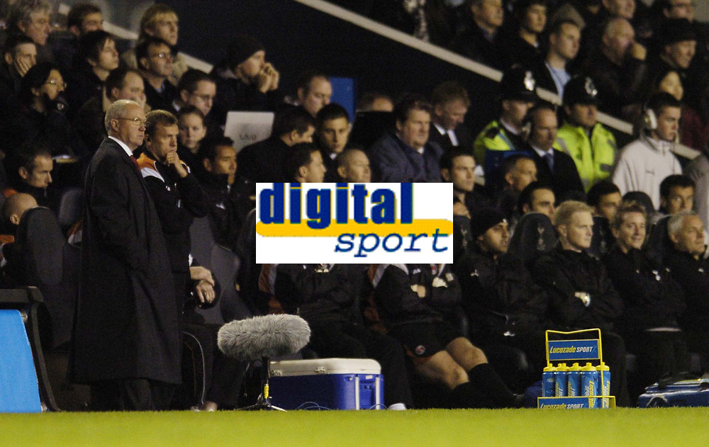 Photo: Olly Greenwood.<br />Tottenham Hotspur v Charlton Athletic. The Barclays Premiership. 09/12/2006. Charlton manager Les Reed and the Charlton bench look dejected