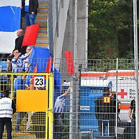 29.09.2019, Carl-Benz-Stadion, Mannheim, GER, 3. Liga, SV Waldhof Mannheim vs. FC Hansa Rostock, <br /> <br /> DFL REGULATIONS PROHIBIT ANY USE OF PHOTOGRAPHS AS IMAGE SEQUENCES AND/OR QUASI-VIDEO.<br /> <br /> im Bild: Fans von Hansa Rostock versuchen die Polizei bei der Beweisaufnahme zu hindern und versperren mit Transparenten die Sicht zur Videoaufnahme<br /> <br /> Foto © nordphoto / Fabisch
