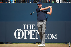 USA's Webb Simpson tees off the 1st during day four of The Open Championship 2018 at Carnoustie Golf Links, Angus. PRESS ASSOCIATION Photo. Picture date: Sunday July 22, 2018. See PA story GOLF Open. Photo credit should read: Jane Barlow/PA Wire. RESTRICTIONS: Editorial use only. No commercial use. Still image use only. The Open Championship logo and clear link to The Open website (TheOpen.com) to be included on website publishing.