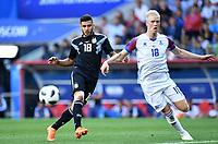 v.l. Eduardo Salvio, Hoerdur Magnusson (Island)<br /> Moskau, 16.06.2018, FIFA Fussball WM 2018 in Russland, Vorrunde, Argentinien - Island 1:1<br /> Argentina - Iceland