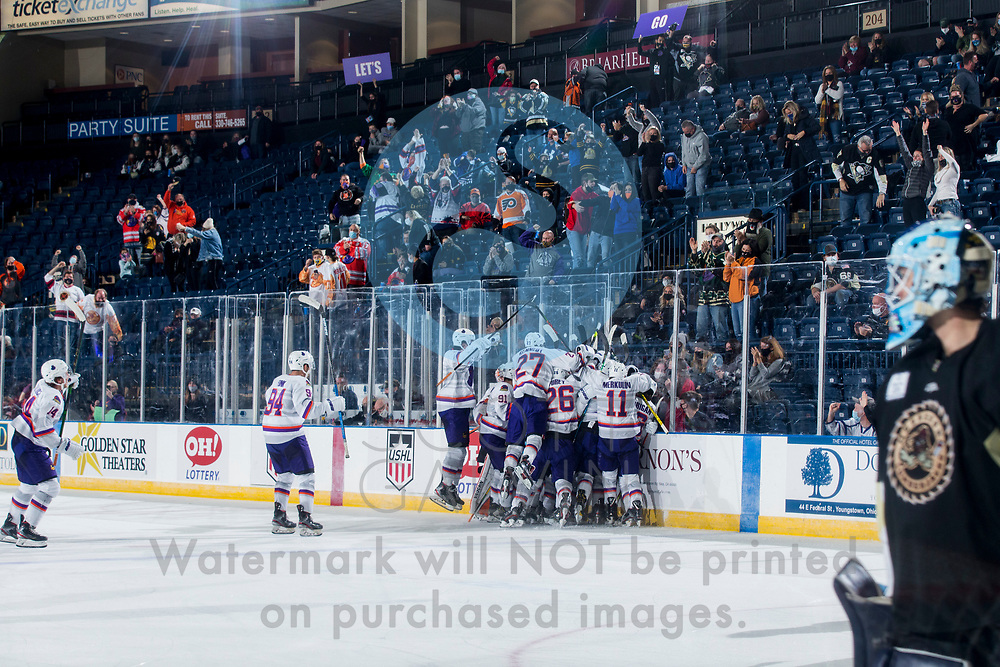 Youngstown Phantoms defeat the Muskegon Lumberjacks 4-3 in overtime at the Covelli Centre on December 5, 2020.