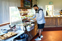 Simon McIntyre of Wasps has lunch during training ahead of the European Challenge Cup fixture against SU Agen - Mandatory by-line: Robbie Stephenson/JMP - 18/11/2019 - RUGBY - Broadstreet Rugby Football Club - Coventry , Warwickshire - Wasps Training Session