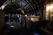 -373, le gallerie principali sono piuttosto larghe e consentono l'uso di grandi mezzi