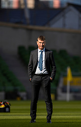 DUBLIN, REPUBLIC OF IRELAND - Sunday, October 11, 2020: Republic of Ireland's head coach Stephen Kenny during the pre-match warm-up before the UEFA Nations League Group Stage League B Group 4 match between Republic of Ireland and Wales at the Aviva Stadium. The game ended in a 0-0 draw. (Pic by David Rawcliffe/Propaganda)
