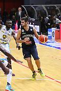 DESCRIZIONE : Cremona Lega A 2015-2016 Vanoli Cremona Pasta Reggia Caserta<br /> GIOCATORE :  Daniele Cinciarini<br /> SQUADRA : Pasta Reggia Caserta  <br /> EVENTO : Campionato Lega A 2015-2016<br /> GARA : Vanoli Cremona Pasta Reggia Caserta<br /> DATA : 18/10/2015<br /> CATEGORIA : Palleggio<br /> SPORT : Pallacanestro<br /> AUTORE : Agenzia Ciamillo-Castoria/F.Zovadelli<br /> GALLERIA : Lega Basket A 2015-2016<br /> FOTONOTIZIA : Cremona Campionato Italiano Lega A 2015-16  Vanoli Cremona Pasta Reggia Caserta<br /> PREDEFINITA : <br /> F Zovadelli/Ciamillo