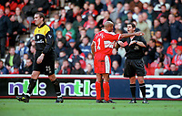 Middlesbrough defender Curtis Flemming argues with referee Andy D'Urso after showing the red card to goalkeeper Mark Crossley after a trip on Arsenals' Fredrik Ljungberg. Middlesbrough 0:1 Arsenal. F.A.Carling Premiership, 4/11/2000. Credit Colorsport / Stuart MacFarlane.
