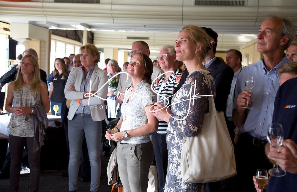 SCHEVENINGEN  (Den Haag) - FIH bijeenkomst . Heleen Crielaard en Carole Thate. COPYRIGHT KOEN SUYK
