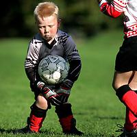 The Netherlands, Pesse, 09-10-2004.<br /> Football, Pupillen-F.<br /> Tijd : 10.14 uur