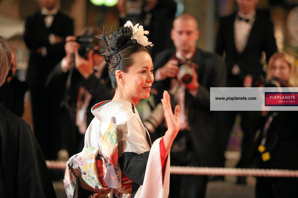 Shigeki Uda, Machiko Ono, Makiko Watanabe , Naomi Kawase - La Forêt de Mogari - - Festival de Cannes - Montée des marches - 26/05/2007 - JSB / PixPlanete