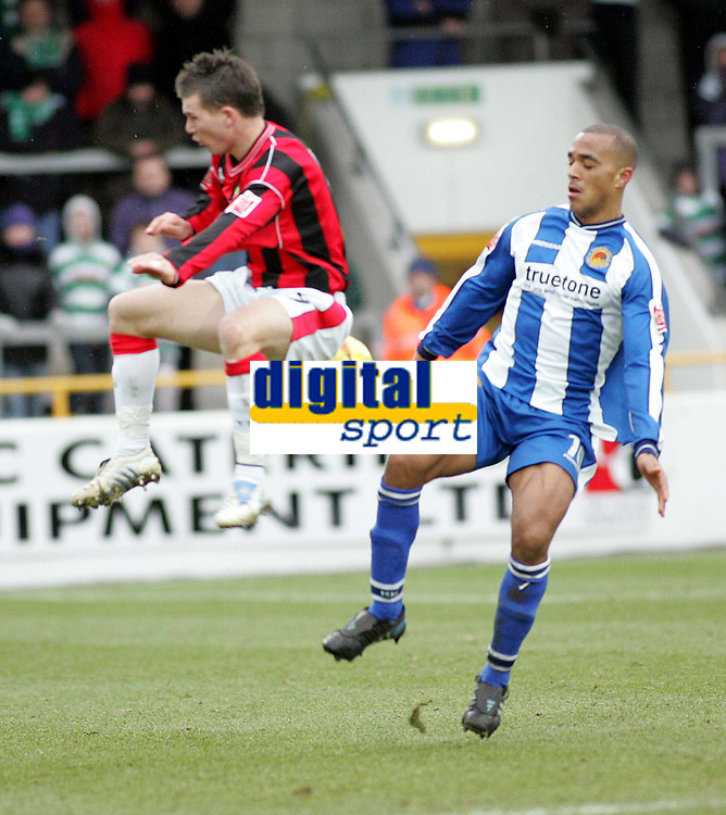 Photo: Paul Thomas. Chester City v Yeovil Town. Deva Stadium, Chester. Coca Cola League Two. 19/02/2005. Kevin Gall and Taiwi Atieno.
