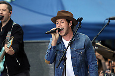 NY: Niall Horan performs on NBCs Today 29 May 2017