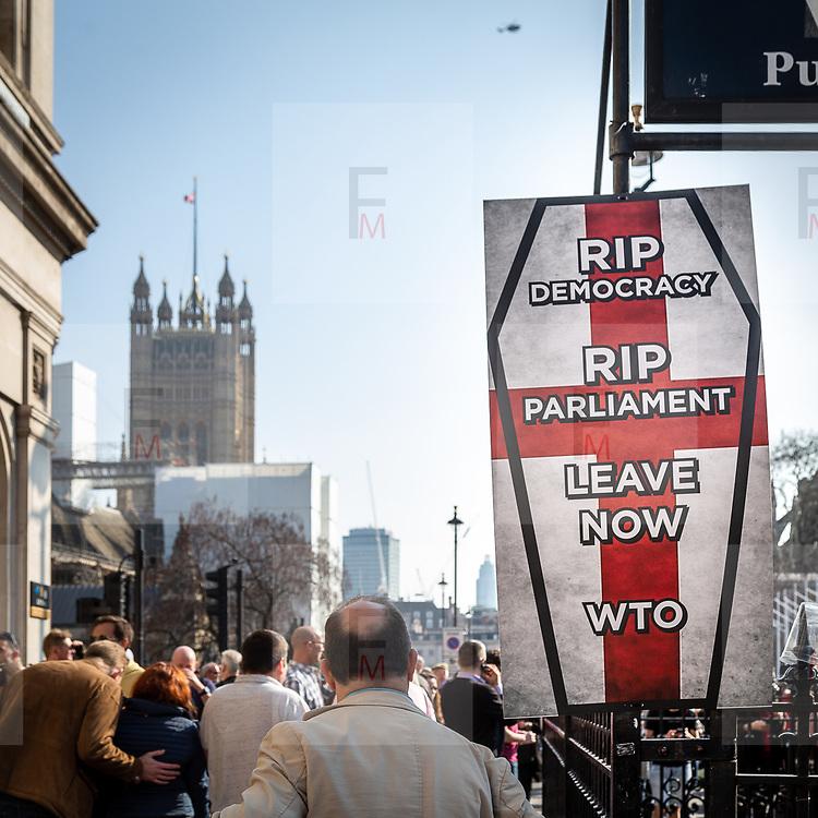 Manifestazione dei Brexiter davanti a Westminster per chiedere l'uscita del UK dalla UE.<br /> <br /> The Brexiters demonstration in parliament square in London to claim the exit of UK from the EU. <br /> <br /> #6d, #photooftheday #picoftheday #bestoftheday #instadaily #instagood #follow #followme #nofilter #everydayuk #canon #buenavistaphoto #photojournalism #flaviogilardoni <br /> <br /> #london #uk #greaterlondon #londoncity #centrallondon #cityoflondon #londonuk #visitlondon<br /> <br /> #brexit #brexiter #ukip #EU<br /> <br /> #photo #photography #photooftheday #photos #photographer #photograph #photoofday #streetphoto #photonews #amazingphoto #blackandwhitephoto #dailyphoto #funnyphoto #goodphoto #myphoto #photoftheday #photogalleries #photojournalist #photolibrary #photoreportage #pressphoto #stockphoto #todaysphoto #urbanphoto