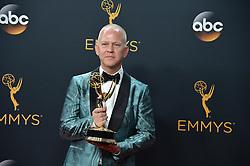 Ryan Murphy  im Press Room bei der Verleihung der 68. Primetime Emmy Awards in Los Angeles / 180916<br /> <br /> *** 68th Primetime Emmy Awards in Los Angeles, California on September 18th, 2016***