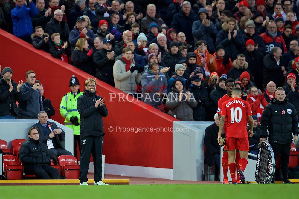 LIVERPOOL, ENGLAND - Sunday, November 6, 2016: Liverpool's manager Jürgen Klopp applaud as he substitutes Philippe Coutinho Correia during the FA Premier League match against Watford at Anfield. (Pic by David Rawcliffe/Propaganda)