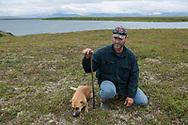 Louie Green mäter djupet på permafrosten. <br /> <br /> Nome, Alaska, USA<br /> <br /> Fotograf: Christina Sjögren<br /> <br /> Photographer: Christina Sjogren<br /> Copyright 2018, All Rights Reserved