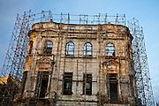 Recife_PE, Brasil..Restauracao de construcao antiga em Recife, Pernambuco...Restoration of old construction in Recife, Pernambuco...Foto: JOAO MARCOS ROSA / NITRO