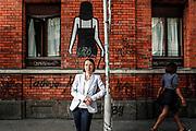 Andrea Gisler von der FRAUENZENTRALE portraitiert an der Langstrasse in Zuerich am 18. Mai 2018.<br />Photo Siggi Bucher