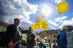 September 29, 2018 - Krakow, Poland - A man seen holding balloons written freedom of religion during the March..Organizers of the Krakow Days of Secularity and attendants march together for the secularity of the Polish State. This involves debates and discussions during this program. (Credit Image: © Omar Marques/SOPA Images via ZUMA Wire)
