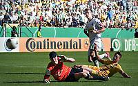 BILDET INNGÅR IKKE I FASTAVTALENE PÅ NETT MEN MÅ KJØPES SEPARAT<br /> <br /> Fotball<br /> Tyskland<br /> Foto: imago/Digitalsport<br /> NORWAY ONLY<br /> <br /> 18.08.2012 <br /> DFB Pokal Håvard Nordtveit (BMG) trifft zum 0:2 für Mönchengladbach gegen Torwart Tim Krumpen und Timmy Thiele Alemannia Aachen - Borussia Mönchengladbach
